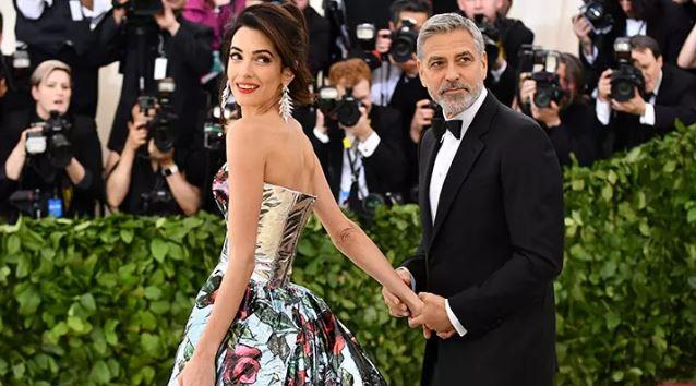 Амал му забрани на Клуни да вози мотор, ќе се шокирате кога ќе видите колку чини истиот на аукција