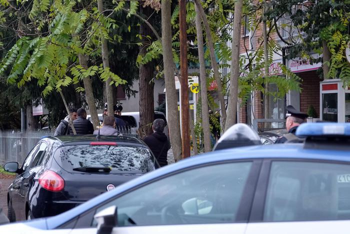 Италијанската полиција го уапси мажот кој држеше заложници