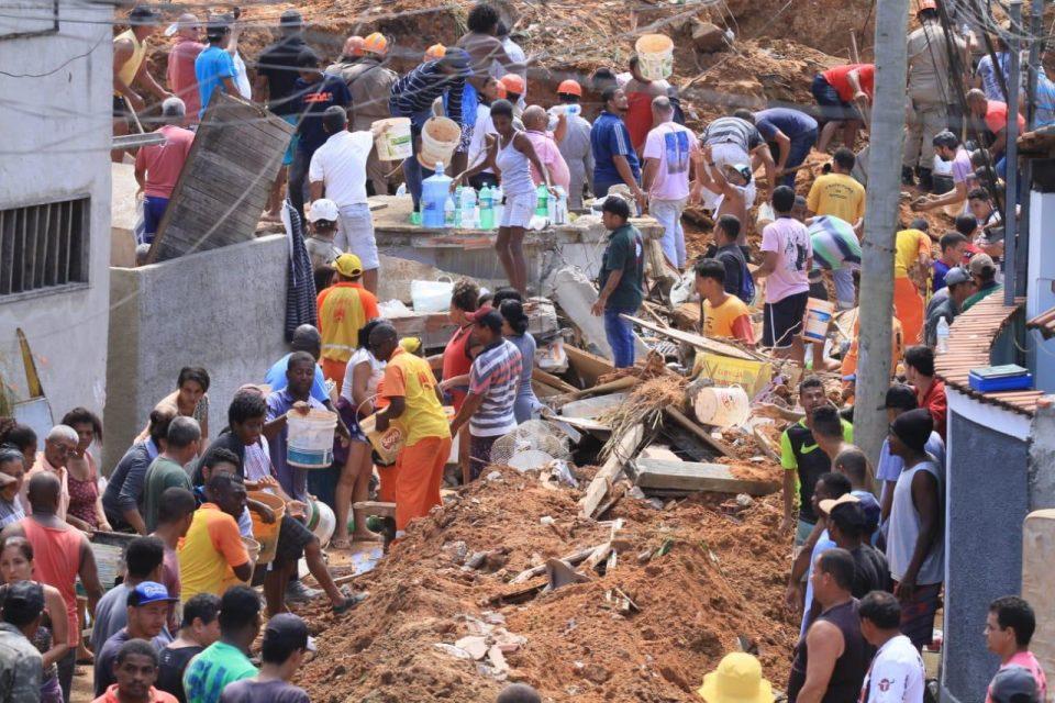 Најмалку 10 жртви во свлечиште во Бразил