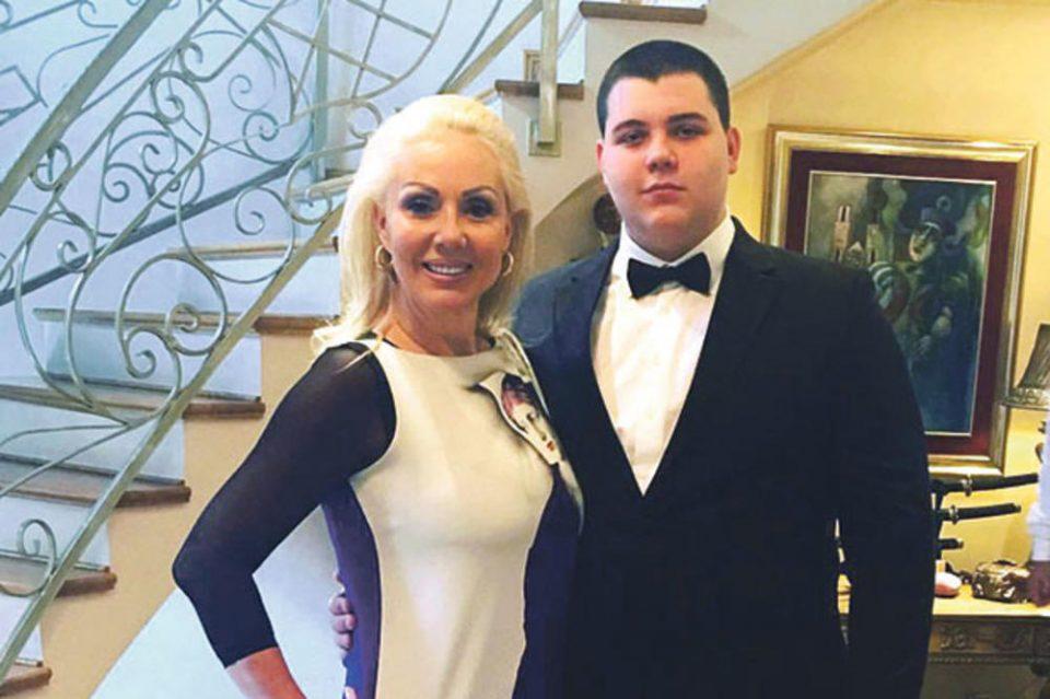 ФОТО: Синот на Лепа Брена се пофали како се подготвува за куќната слава, младото момче позитивно ќе ве изненади