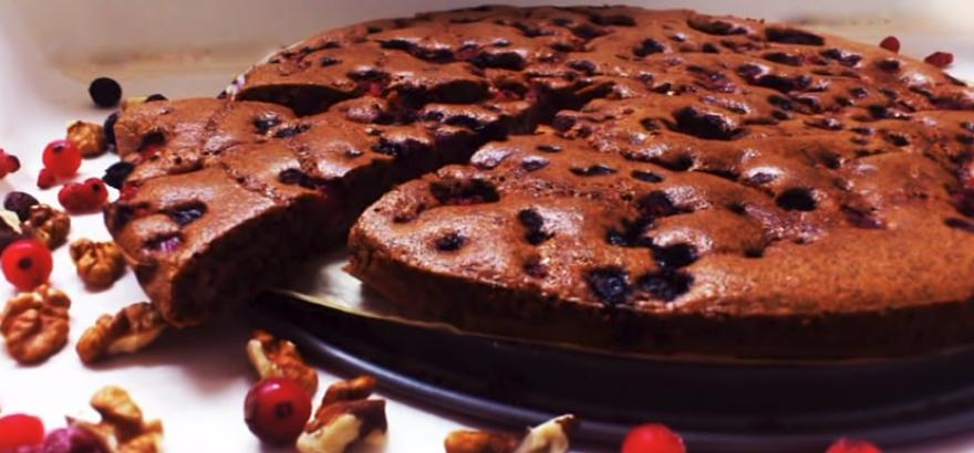 Видео рецепт: Лесна торта без шеќер, брашно, млеко и путер