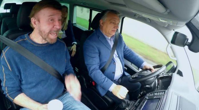 """ВИДЕО: Орбан го возеше Чак Норис- му порача дека е """"уличен борец"""""""