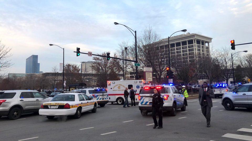 Четворица загинати при инцидент во болница во Чикаго