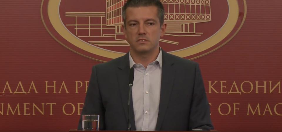 Манчевски: Не е крив Заев ако нема препорака туку администрацијата, Манчевски меѓу редови најави дека препораката не е сигурна