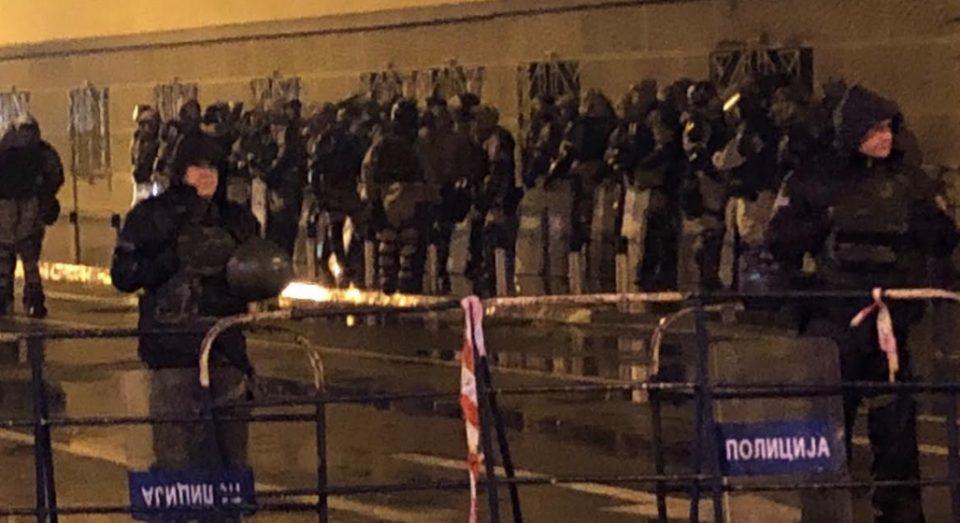 ФОТО: Власта со сите сили против граѓаните кои не се согласуваат со договорот од Преспа