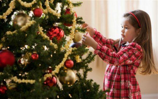 Ќе ви донесе куп среќа: Во пресрет на празниците, не е сеедно каде ја поставувате елката