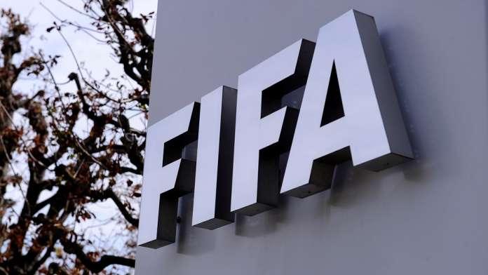 """ФИФА и УЕФА се заканија: Строги казни за сите клубови и играчи ако учествуваат во """"затворената Суперлига"""""""