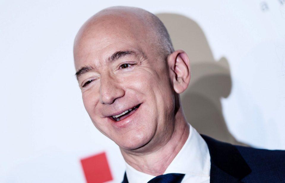 Безос изгуби 20 милијарди долари за два дена, но и натаму е најбогат
