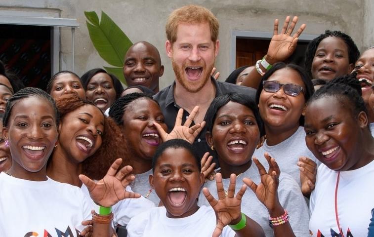 Принцот Хари направи нешто прекрасно, но со тоа го прекрши протоколот (ФОТО)