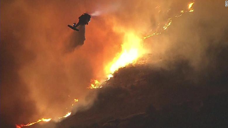 Најмалку 25 жртви во пожарите во Калифорнија