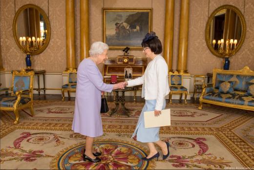За кралицата не сме ни ФИРОМ ни Северна (ФОТО)