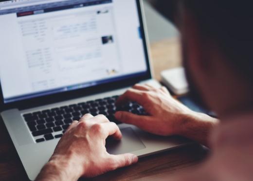 Необично извинување на крадец: Ти го украдов лаптопот, но кажи ми што ти треба од него, ќе ти испратам на мејл (ФОТО)