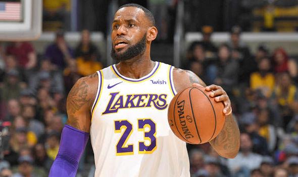 Леброн трет на вечната листа на кошаркари со постигнати 30+ поени