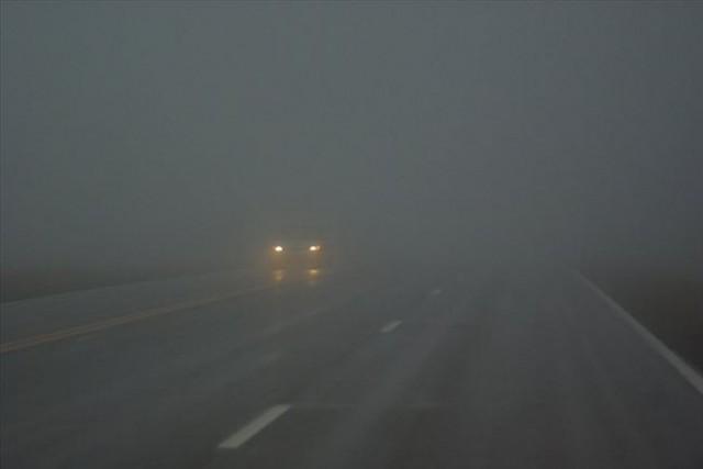 Магла на Попова Шапка, сообраќајот по влажни коловози