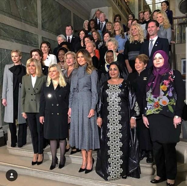 Брижит Макрон со шампањ во Версај ги пречека сопругите на светските лидери (ФОТО)