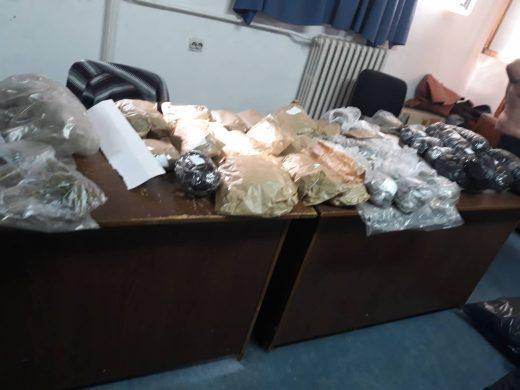 ДЕТАЛИ: Штипскиот дилер пренесувал дрога со велосипед, во домот се пронајдени околу 80 кг марихуана (ФОТО)