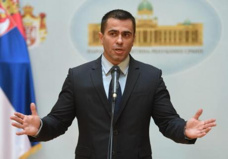 Српскиот политичар во операциона сала, ова е смачканиот автомобил (ФОТО)