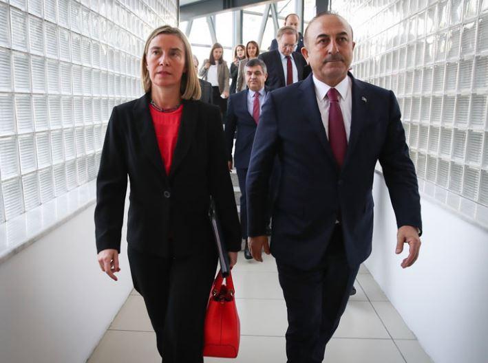 """Чавушоглу: ЕУ """"ги помина границите"""" со барањето за ослободување на Демирташ"""
