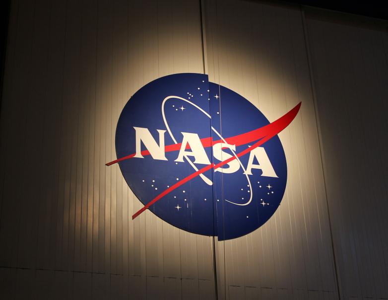 НАСА ќе испрати дрон на сателит на Сатурн