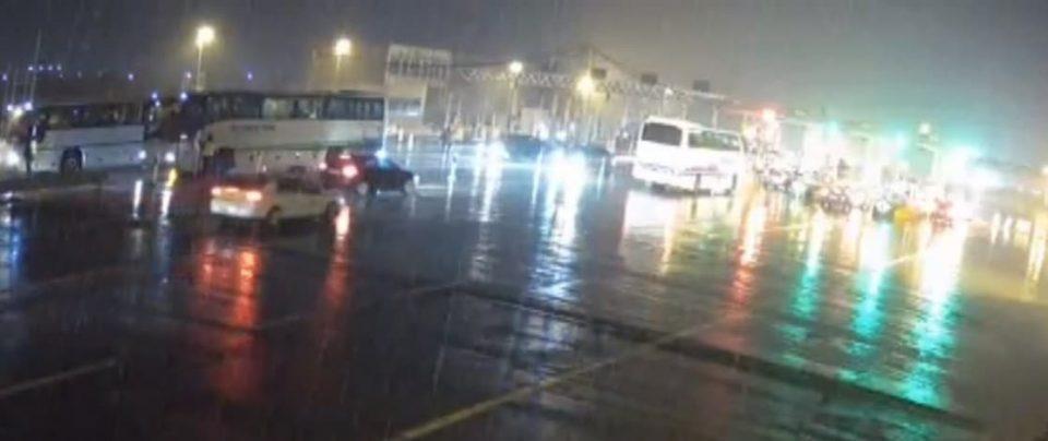 Полицијата врши притисок: Граѓаните спречени да дојдат кон Скопје пред протестот кој почнува во 18 часот (ФОТО)