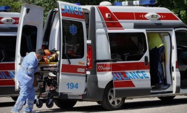 Повреден работник во Велес, задржан на лекување во велешката болница