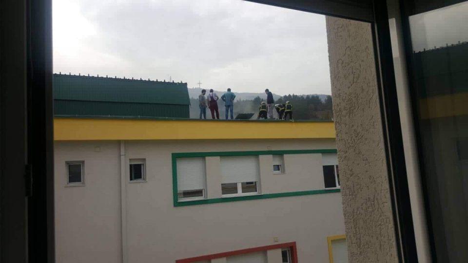 Детската болница во Козле демантира дека имало пожар, од Бригадата за противпожарна заштита велат дека била опожарена кровната конструкција