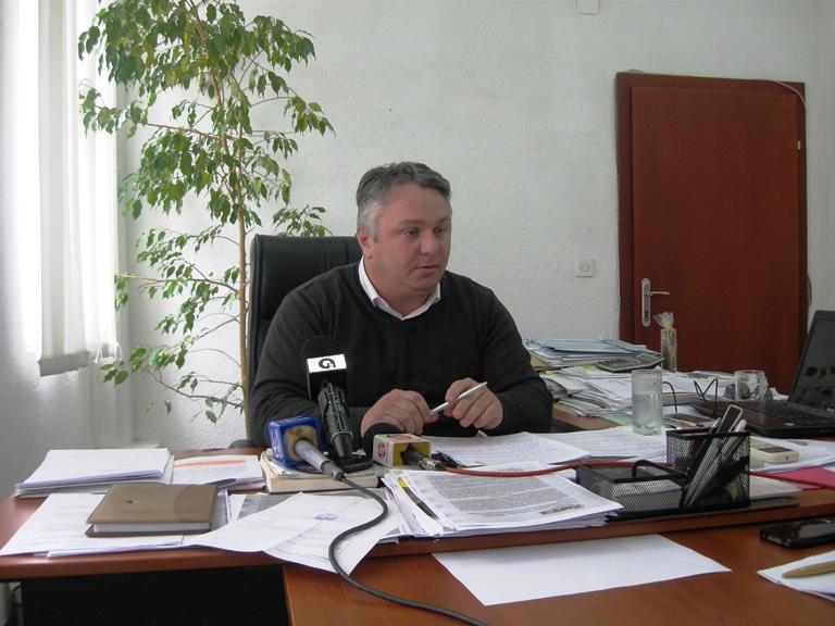 Ексдиректорот на охридските гробишта обвинува за политичка хајка