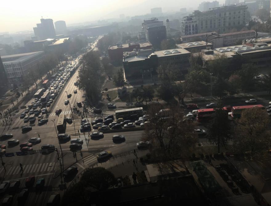 """ФОТО: Сообраќајка пред """"Мавровка"""", сообраќајот во застој"""