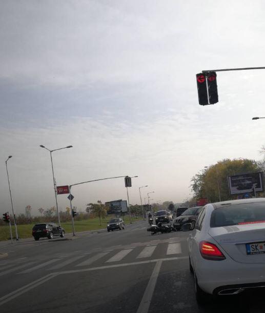 """Сообраќајот блокиран: Утрово сообраќајна несреќа на """"Илинденска"""" (ФОТО)"""