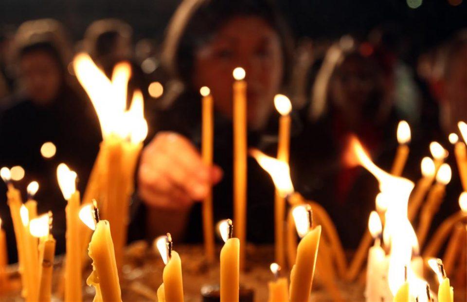 Правиме ли несвесно грев: Дали смееме да палиме свеќи за живите?