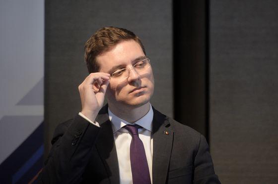 Романија: Министерот за европски прашања поднесе оставка