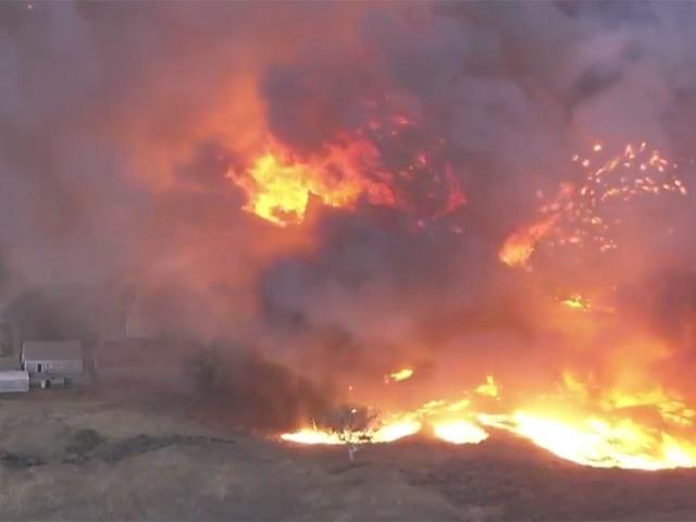 Евакуирано Малибу поради пожар во Калифорнија