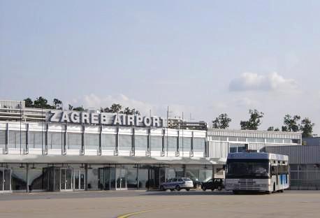 Во Загреб уапсени двајца странски државјани кои со приватен авион транспортирале кокаин