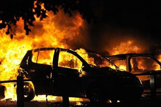 Расте трендот на намерно запалени автомобили