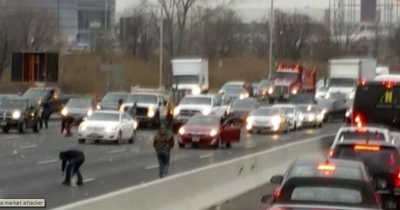 Над половина милион долари испаднаа од камион, околу 300 илјади се уште не се пронајдени (ФОТО)