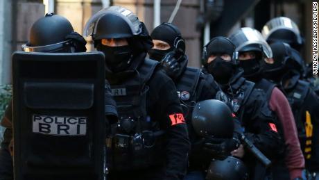 Уште две лица уапсени во рамки на истрагата за нападот во Стразбур