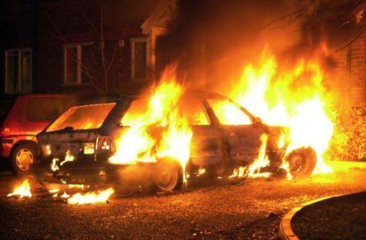 Грчки автомобил запален во Гевгелија