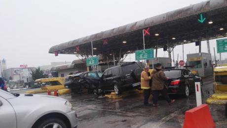 ФОТО: Карамбол на патарината кај Тетово- се судрија 4 возила
