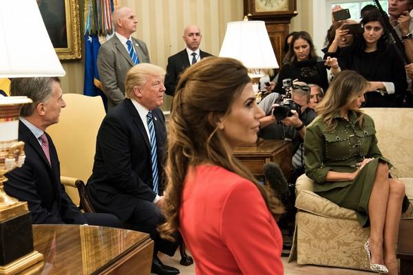 Сите му завидуваат на претседателот: Првата дама на Аргентина ја засени Меланија Трамп, а поради еден детаљ светот се воодушеви (ФОТО)