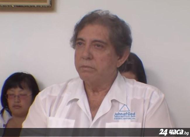"""Бразилскиот """"духовен исцелител"""" обвинет за сексуално злоставување на повеќе од 300 жени се предал на властите"""