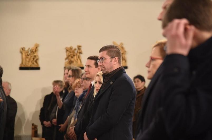 ФОТО: Мицкоски на Светата литургија по повод чествувањето на Католичкиот Божик