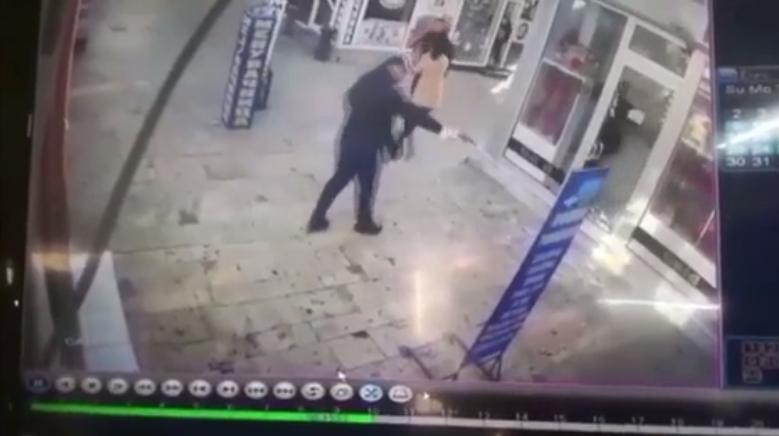 Видео од вооружениот грабеж во златарница во Прилеп