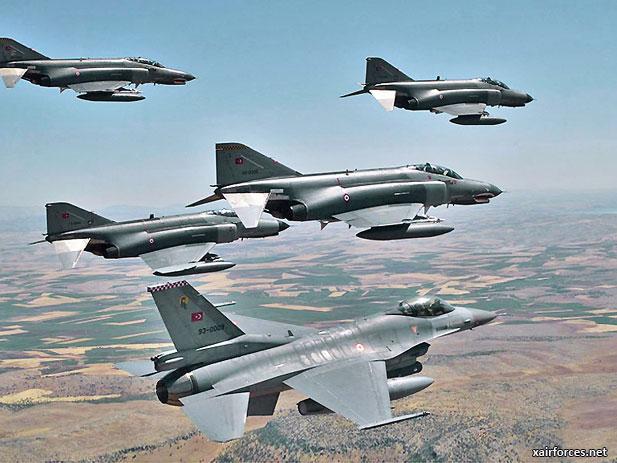Турски воени авиони одново над Грција