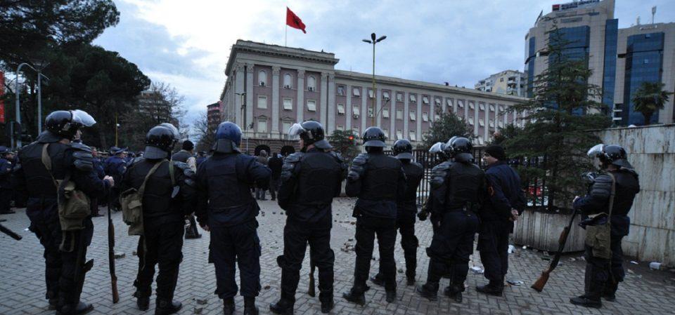 За иселеничка виза во САД аплицирале 80 отсто од помладите албански полицајци