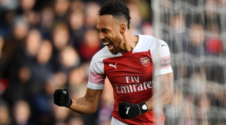 Арсенал им се врати на победите, триумф над Барнли