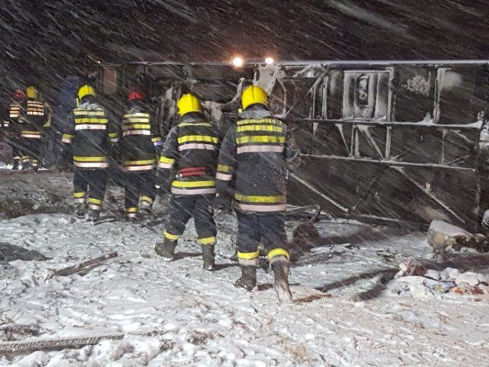 Македонски автобус се преврте кај Лесковац, најмалку тројца загинати