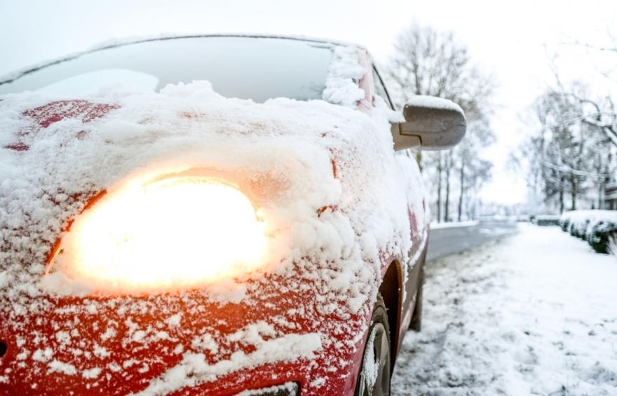 Кратки, но важни совети: Како да возите во зима?