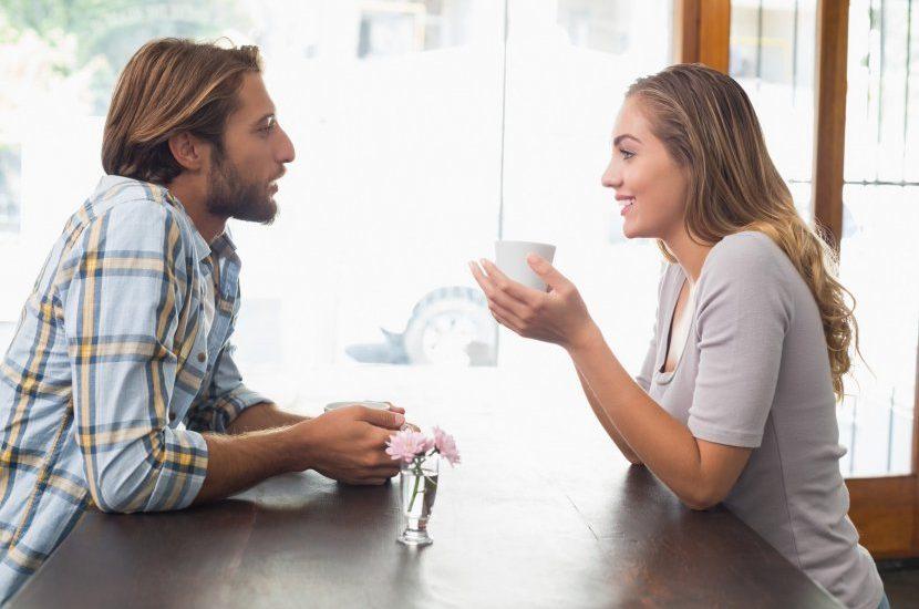 Научно докажани начини како да влијаете на луѓето без да кажете збор: Сакате луѓето да ви веруваат? Носете сино!