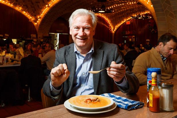 ФОТО: Гостин во њујоршки ресторан во оброкот нашол бисер