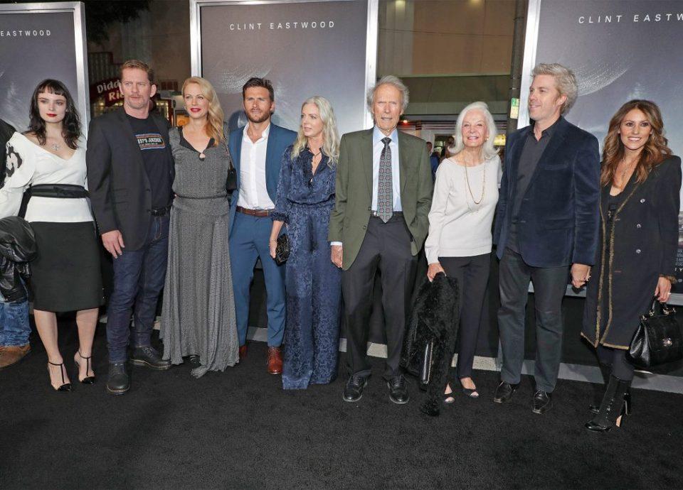 Познатиот актер ги собра осумте деца на едно место (ФОТО)
